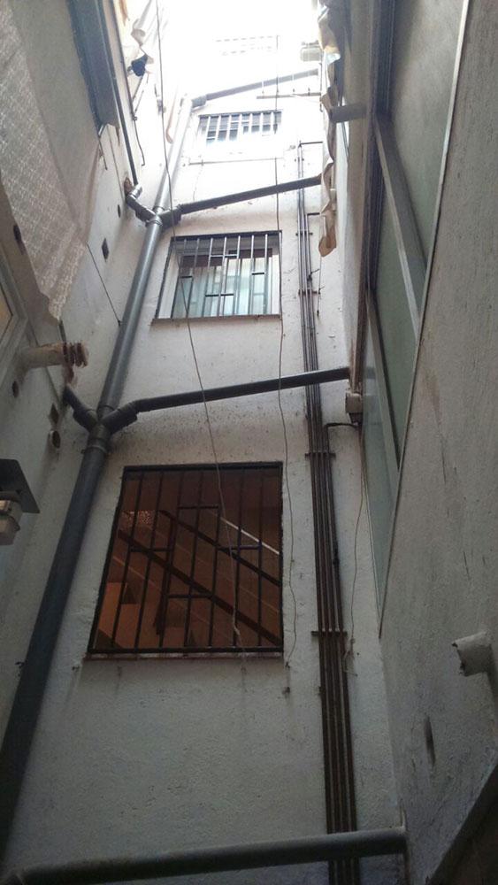 Instalaci n ascensor patio de luces ascensores ramase for Patio de luces normativa