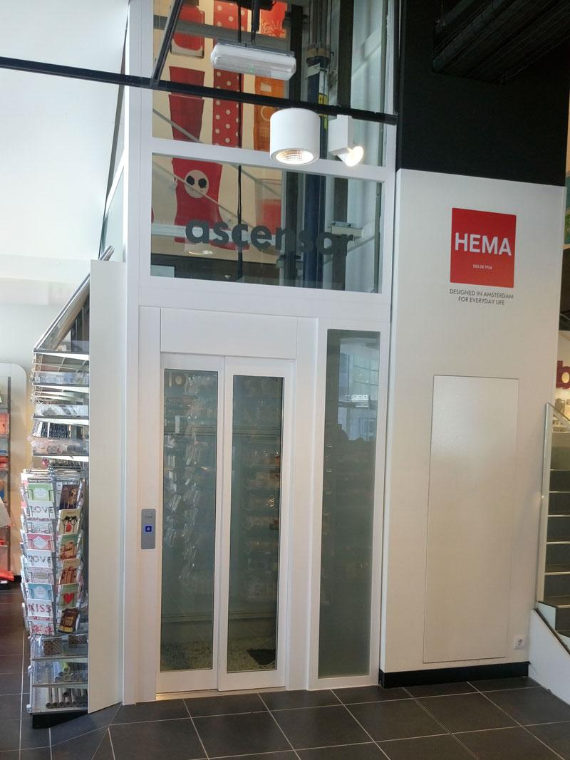 Instalación ascensor centro comercial | Ascensores Ramase