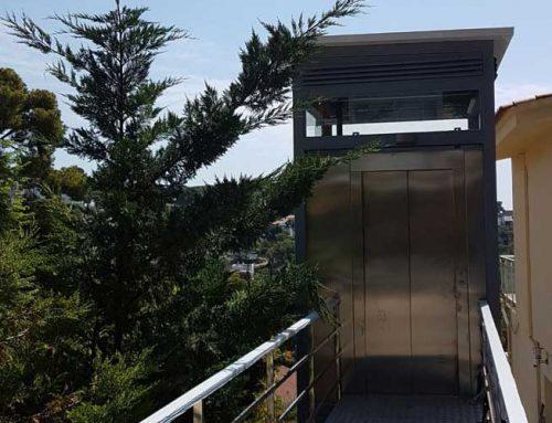 Muntatge dos elevadors tipus PEV panoràmics – Montemar Castelldefels