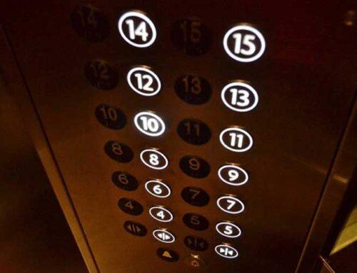 ¿Qué pasa si se va la luz cuando estoy utilizando el ascensor?