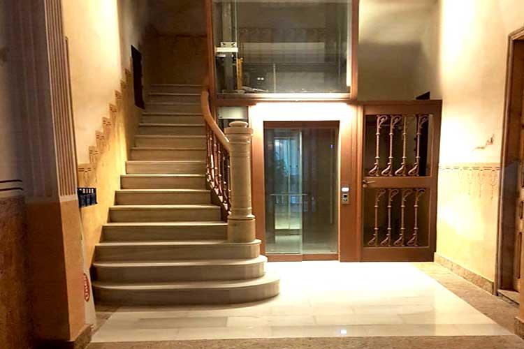 Instalación de ascensor en finca en Barcelona