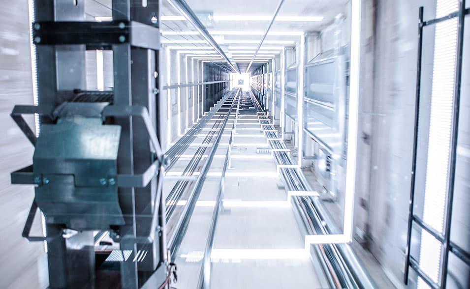Ascensores industriales para fábricas, almacenes… - Ascensores Ramase