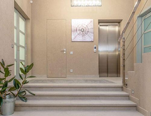 Bajada a cota cero del ascensor: ¿cuándo es obligatoria?
