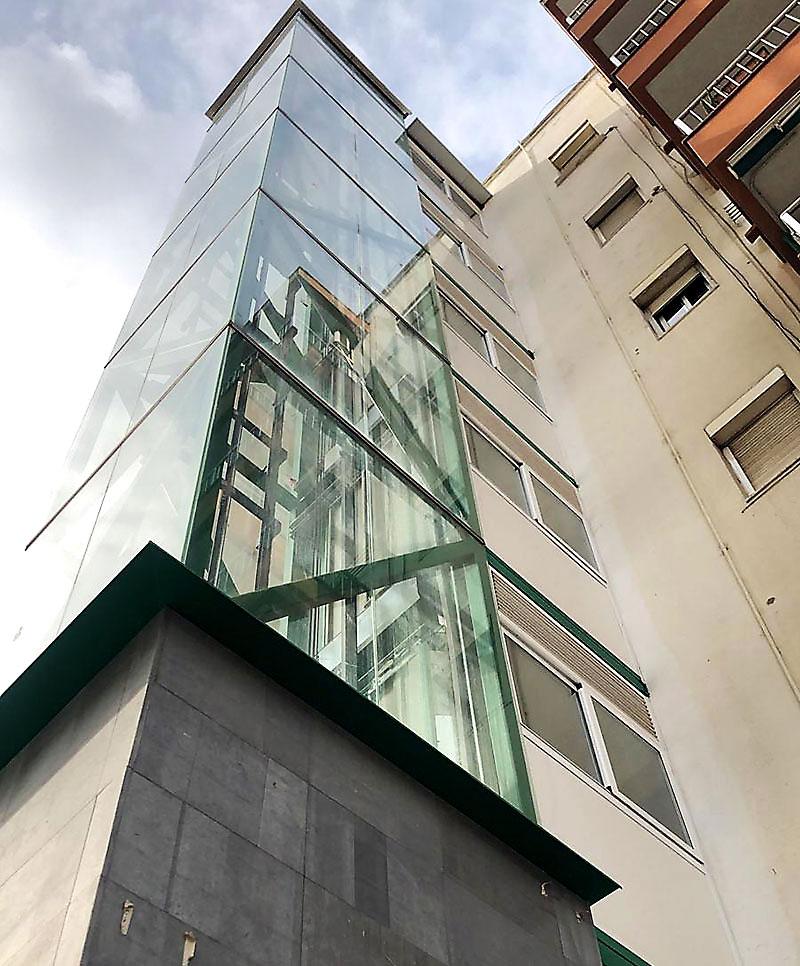 Ascensores para edificios antiguos y nuevos - Ascensores Ramase