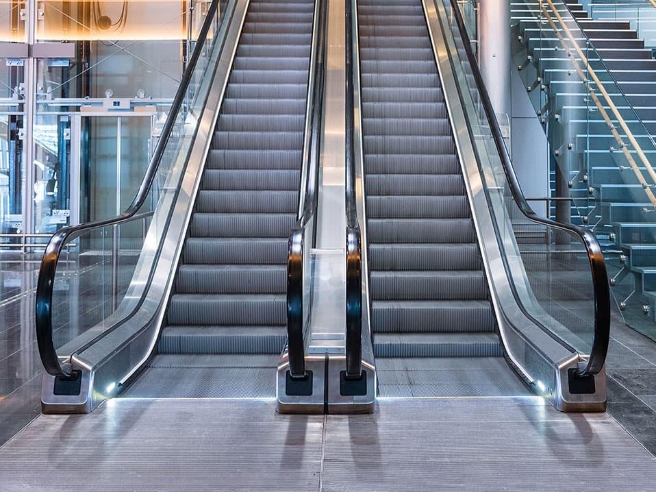 Escaleras eléctricas para tráfico intenso - Ascensores Ramase