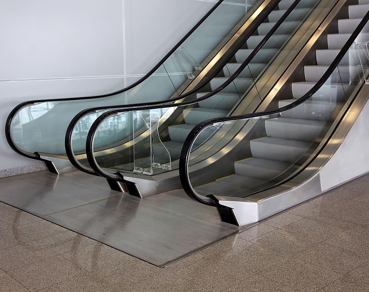 Escaleras mecánicas para tráfico medio - Ascensores Ramase