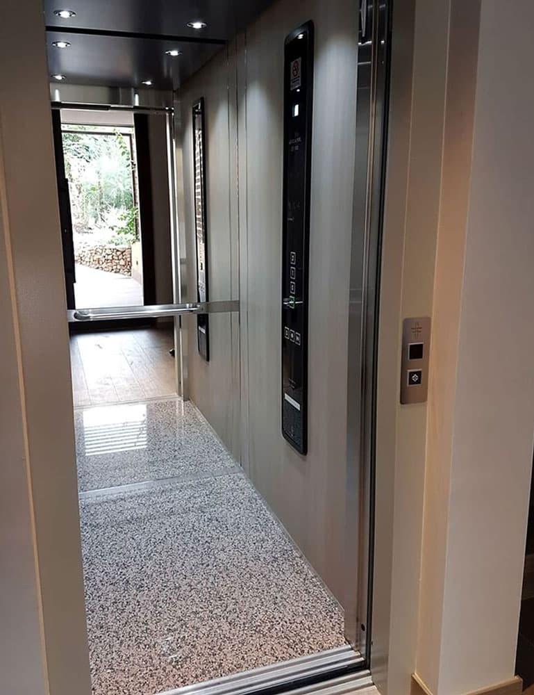 Mantenimiento de ascensores y sistemas de elevación - Ascensores Ramase